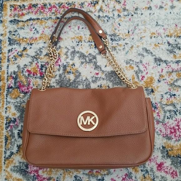 711ec592279c Michael Kors Chain Strap Shoulder Bag Leather. M_5aafdae8a4c485a42af545a5